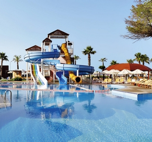 Club Belek Wasserrutsche Pool - MAGIC LIFE.com