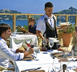 Club Sarigerme Kellner Terrasse restaurant - MAGIC LIFE.com