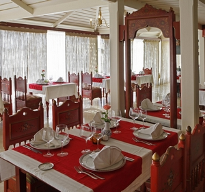 Club Penelope Beach Restaurant- MAGIC LIFE.com