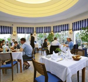 Club Africana Restaurant - MAGIC LIFE.com