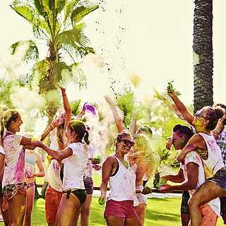 Holi-festival, Farbfestival im Club