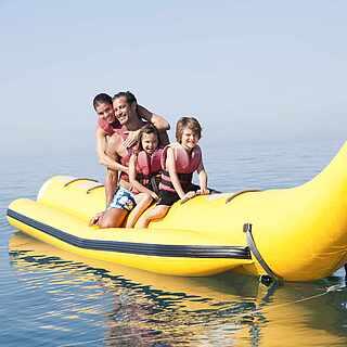 Banana-Boot im Club Penelope Beach - MAGIC LIFE.com
