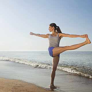 Frau Yoga Strand MAGIC LIFE.com