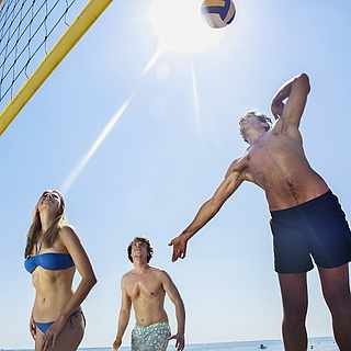 Beachvolleyball am Strand