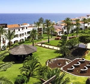 Club Fuerteventura Gartenbereich mit Palmengrün - MAGIC LIFE.com