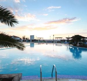 Club Fuerteventura Pool Sonnenuntergang MAGIC LIFE.com