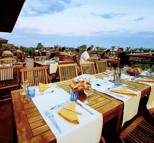 Club Waterworld Restaurant- MAGIC LIFE.com