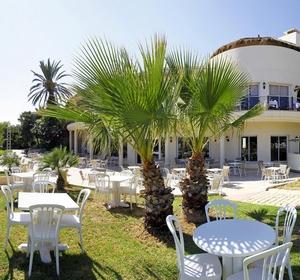 Club Africana Open-Air-Terrasse-Restaurant - MAGIC LIFE.com